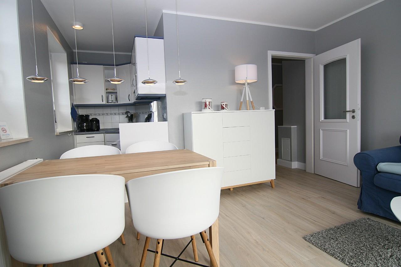 ferienwohnung wohnung dirkmann h rnum sylt 4 personen. Black Bedroom Furniture Sets. Home Design Ideas